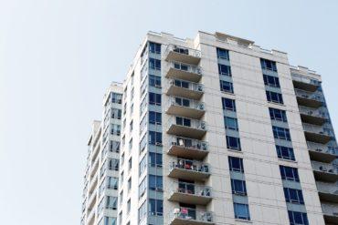 Jak kupić mieszkanie od syndyka - poradnik krok po kroku