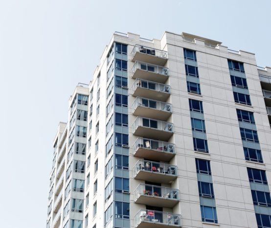 Jak kupić mieszkanie od syndyka – poradnik krok po kroku