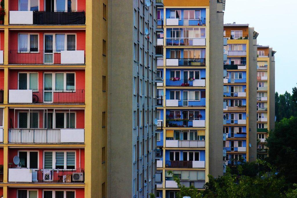 Przetarg na mieszkanie od spółdzielni - bloki.