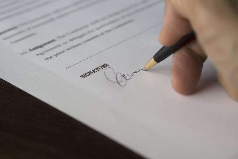 Umowa z rzeczoznawcą majątkowym