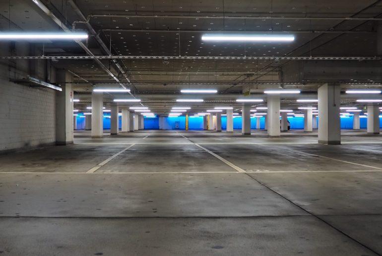 Inwestowanie w garaże i miejsca postojowe