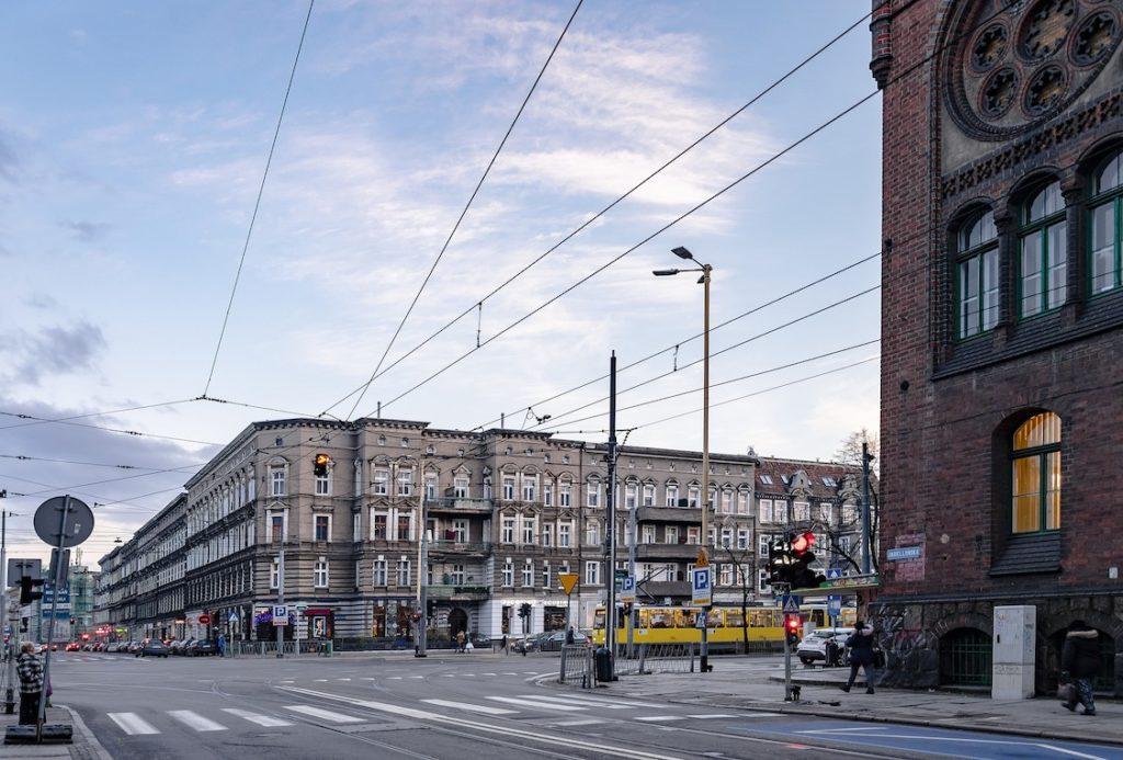 Przetargi mieszkaniowe organizowane przez spółki skarbu państwa