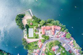 Inwestowanie w nieruchomości w miejscowościach turystycznych