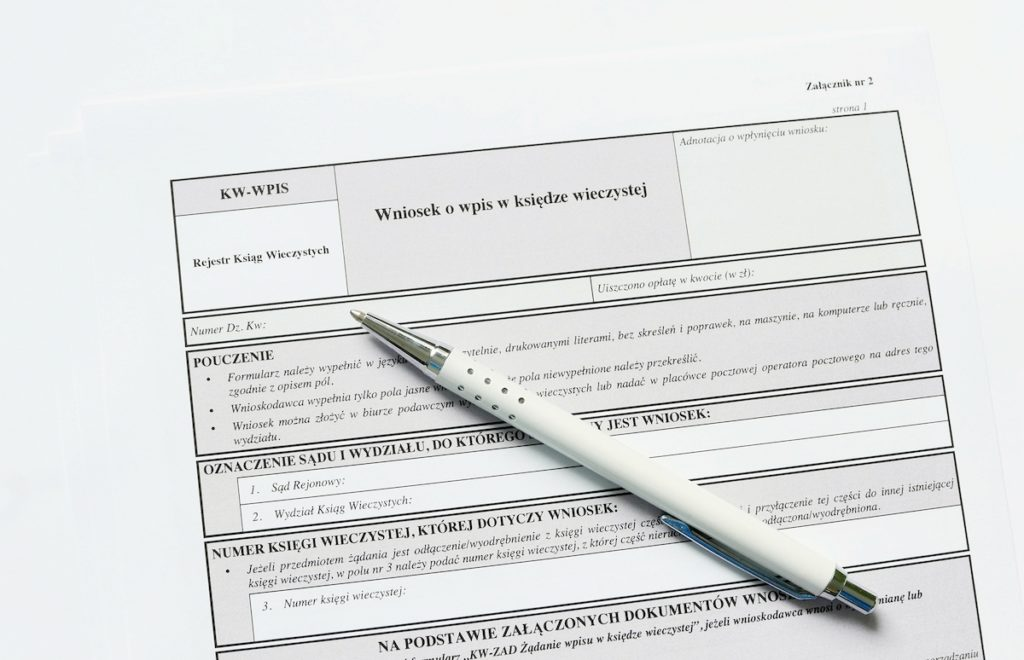 Samodzielne złożenie wniosku hipotecznego – krok po kroku